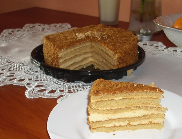Medovník – Czech Honey Cake